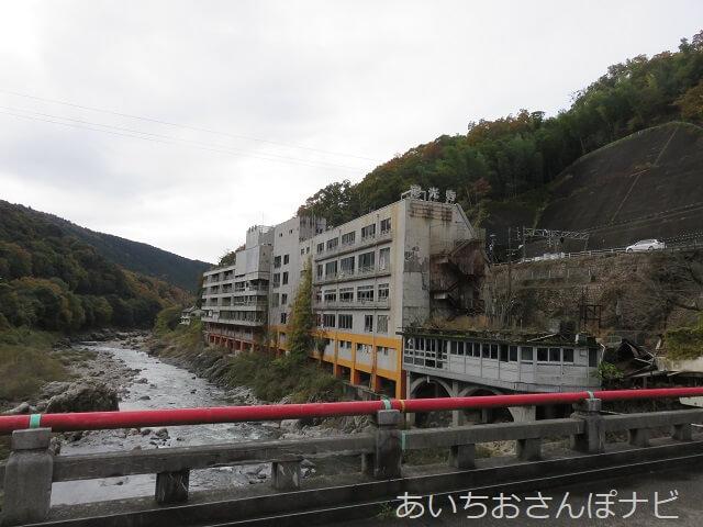 定光寺駅近くの廃墟ホテル