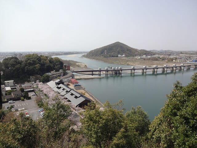 犬山城の最上階から見た西側の風景