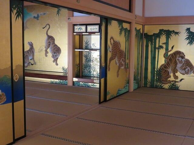 名古屋城本丸御殿の虎の襖絵