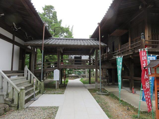 愛知県犬山市の寂光院の本堂と随求堂