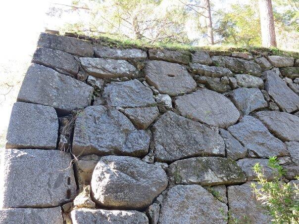 豊橋市吉田城の刻印された石垣