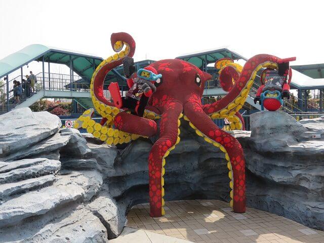 レゴランド名古屋の巨大タコと潜水クルー