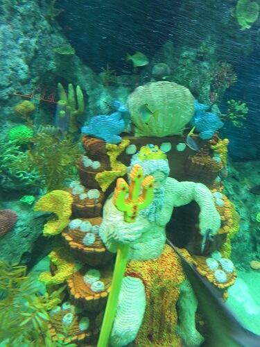 レゴランド名古屋のサブマリンアドベンチャーの開廷にいる海の神様