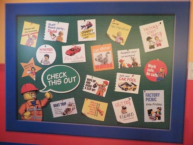 レゴランド名古屋のレゴファクトリーの中にある看板