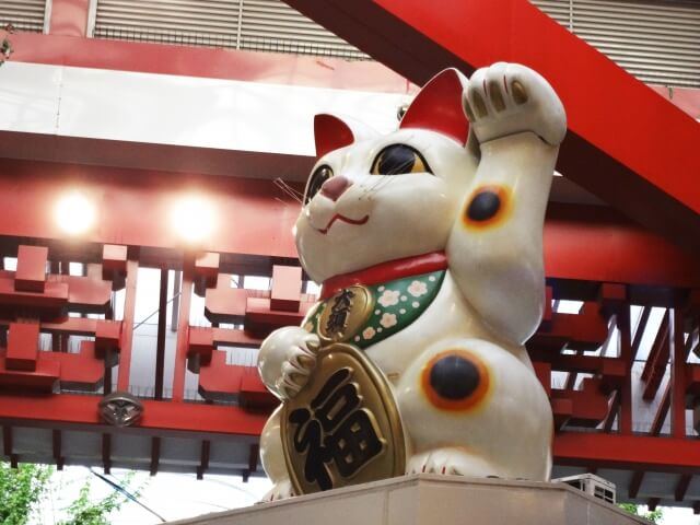 名古屋大須商店街の招き猫
