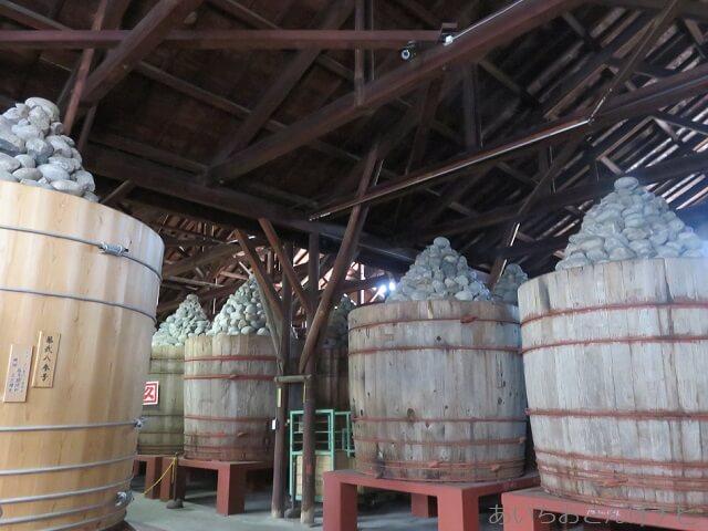 愛知県岡崎市のカクキュー八丁味噌の郷の味噌蔵
