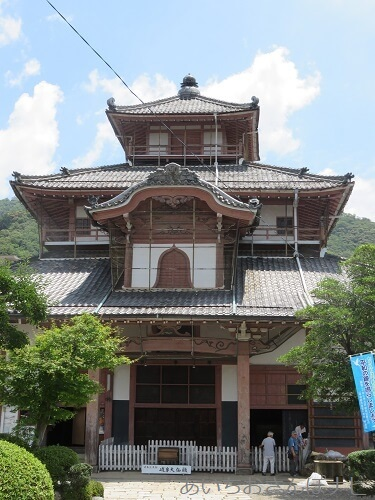 岐阜正法寺の唐風の建物