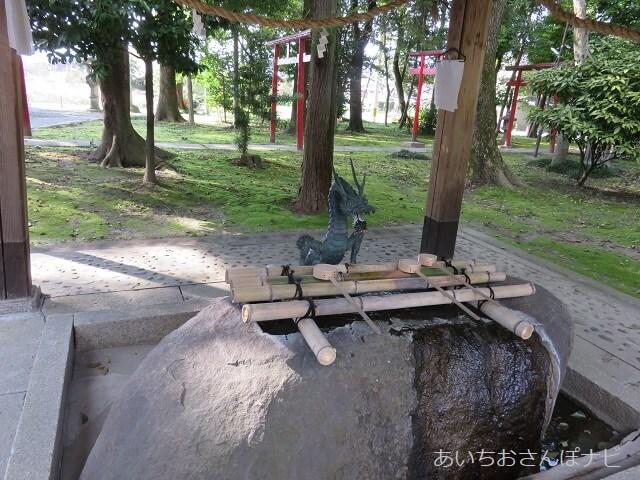 稲沢市祖父江町の布智神社の手水舎