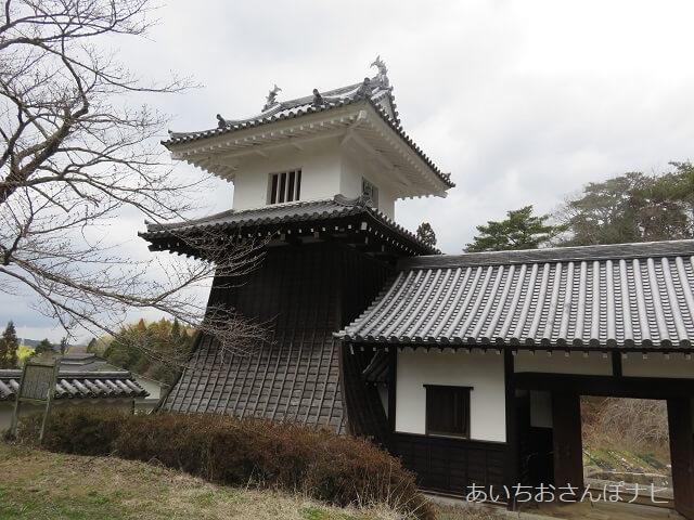 岐阜県恵那市の岩村歴史博物館前にある太鼓やぐら