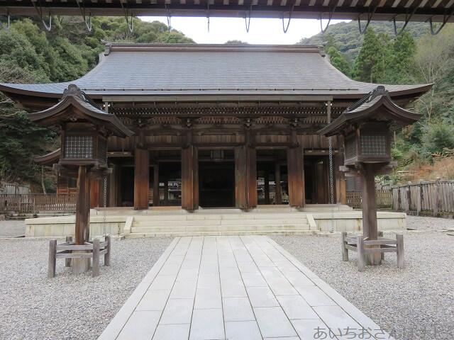 岐阜伊奈波神社の拝殿