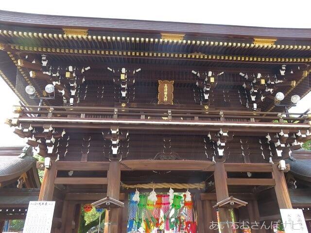 一宮七夕祭りの飾りがつけられた真清田神社