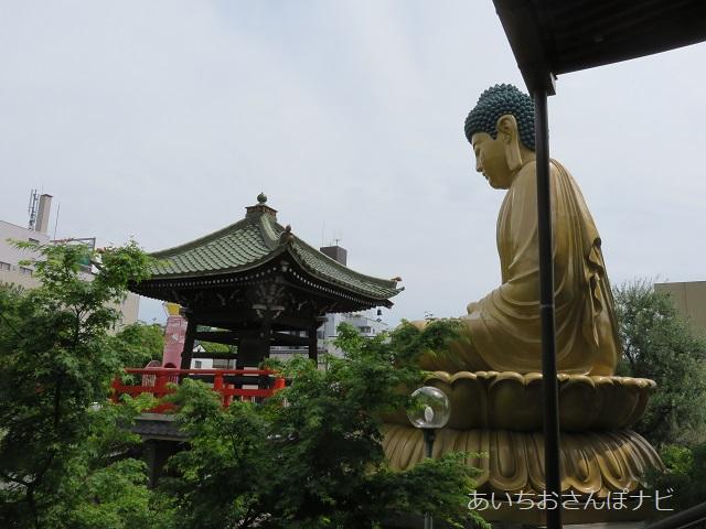 名古屋市北区普光寺の本堂から見た北大仏さま
