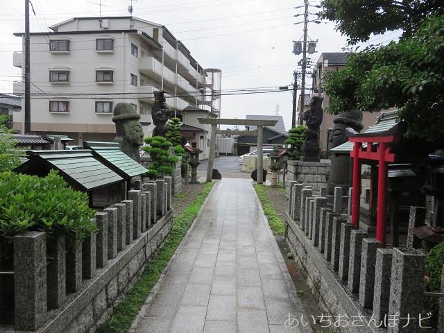名古屋市西区小田井の善光寺別院願王寺の参道
