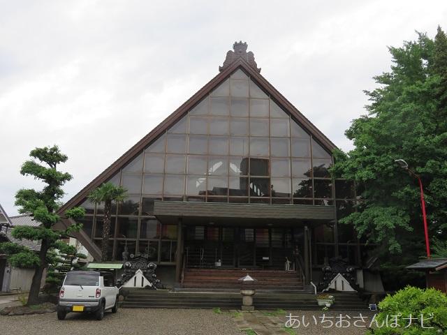 名古屋市西区小田井の善光寺別院願王寺の本堂