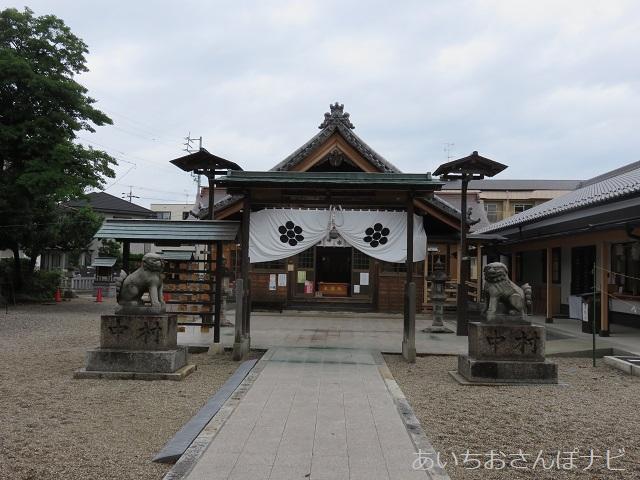 名古屋市西区の星神社の境内
