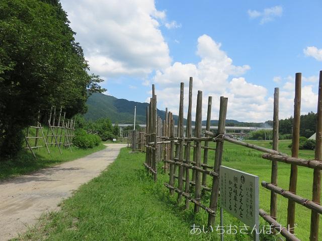 愛知県新城市の長篠設楽原の戦いの馬防柵