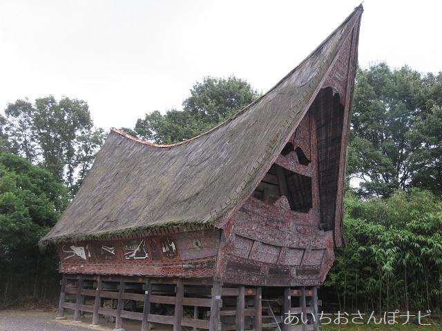 犬山市のリトルワールドのインドネシア、スマトラ島の家