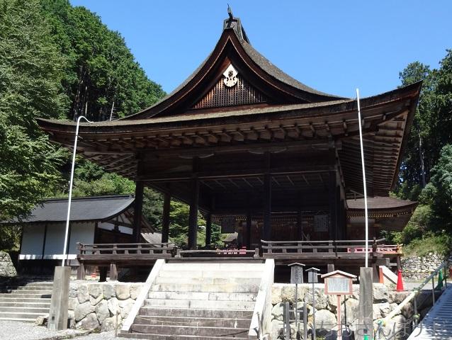 滋賀県大津市坂本にある日吉大社の東本宮の拝殿