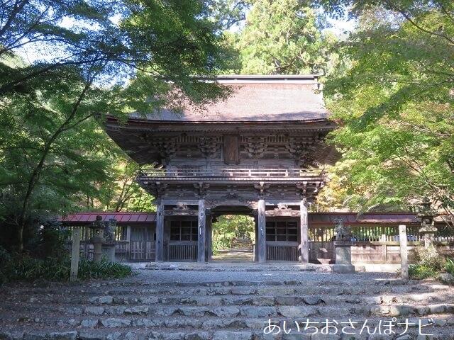 岐阜県美濃市大矢田神社の山門