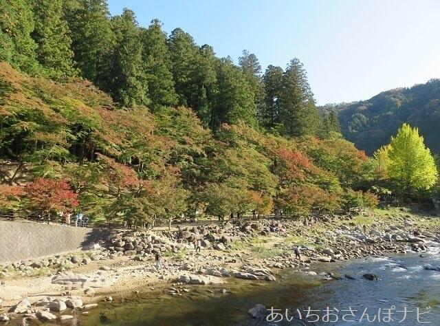 豊田市香嵐渓の待月橋からの眺め