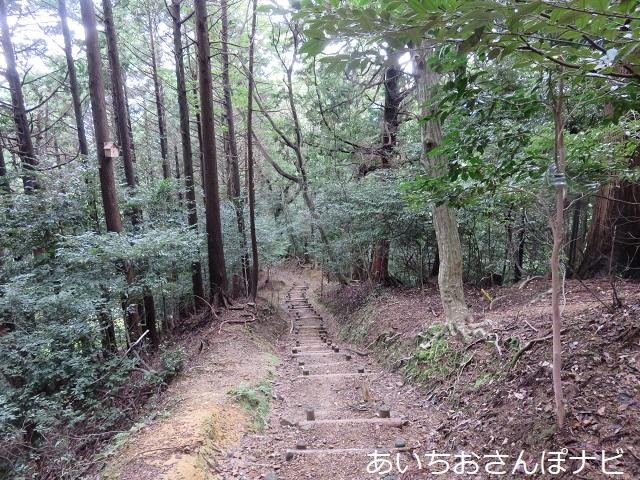 岐阜県垂井町にある南宮大社のハイキングコース