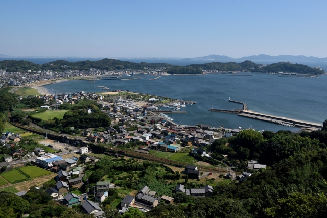 愛知県西尾市と三河湾