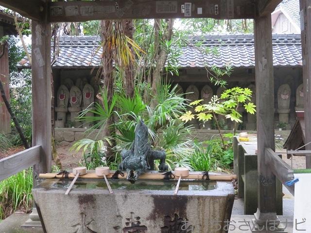 愛知県西尾市かぼちゃ寺の三十三観音堂