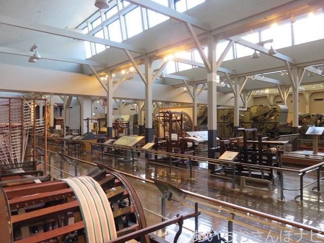 名古屋市トヨタ産業技術博物館の繊維機械館