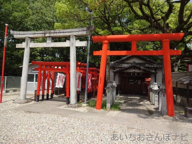 名古屋市守山区の生玉稲荷神社の奥の院へ行く鳥居