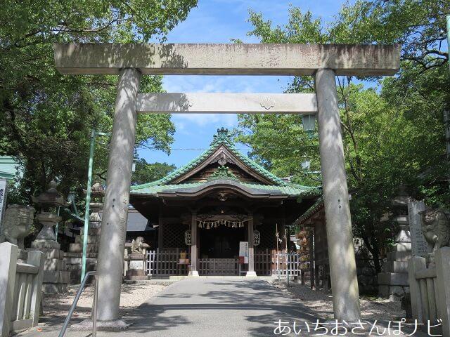 瀬戸市深川神社の拝殿