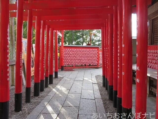 犬山市三光稲荷神社のハートの絵馬