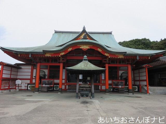 犬山成田山の本殿