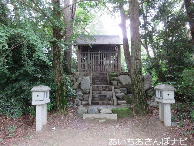 愛西市立田の古木江城跡にある富岡神社